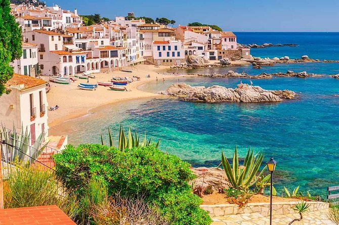 Medieval villages of Costa Brava next to the bluest sea private tour up to 6 customers