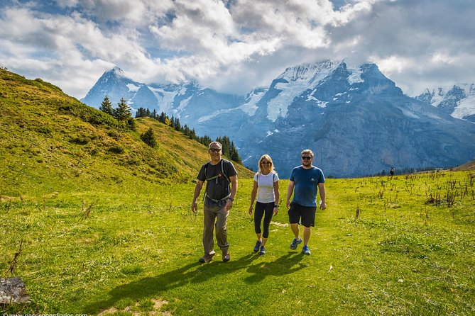 Lauterbrunnen Waterfalls & Mountain Trail Private Hiking Tour from Interlaken