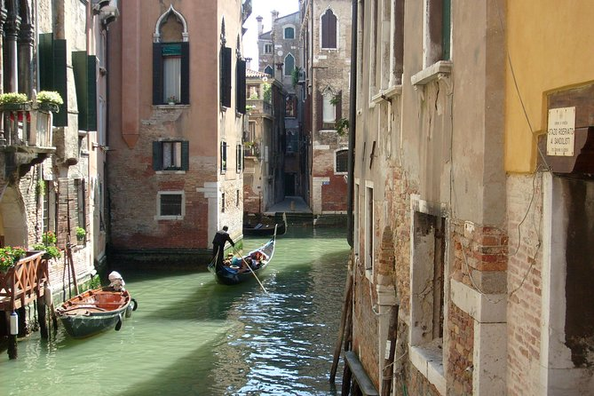 Venice Grand Canal Evening Rowing Tour