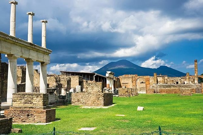 Full day tour from Naples to Pompeii Sorrento Positano