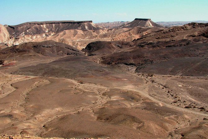 Ramon Crater and Negev Desert 4x4 and Hiking Full-Day Tour from Mitspe Ramon