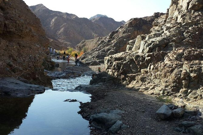 Jeep Safari in Wadi Shawka & Hike around the Natural Spring