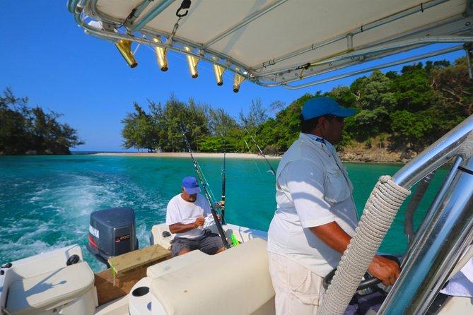 Private fishing charters in Roatan