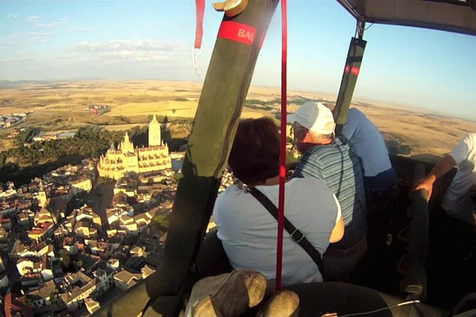 Segovia Hot Air Balloon tickets for couples with Accommodation