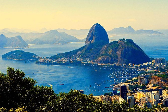 Sugarloaf, Maracana, and Sambodromo Carnival Parade Private Tour