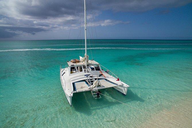 4 Stunden privates Katamaran-Segel und Schnorchel vom Grace Bay Beach, Providenciales