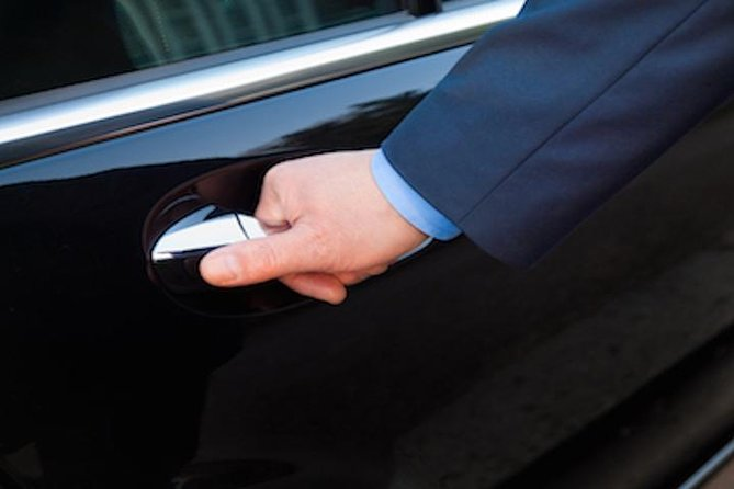 Full-Day Private Chauffeur in Paris with Choice of 2 Vehicles photo 1