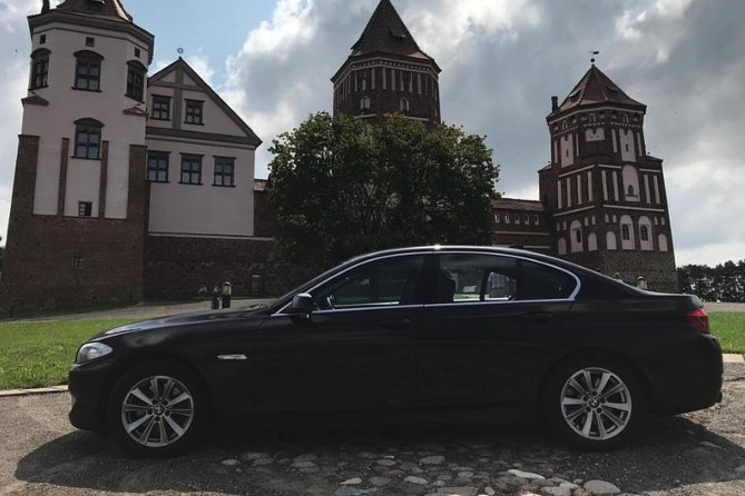 Sightseeing Tour to Mir Castle by BMW 5 with English-speaking Driver
