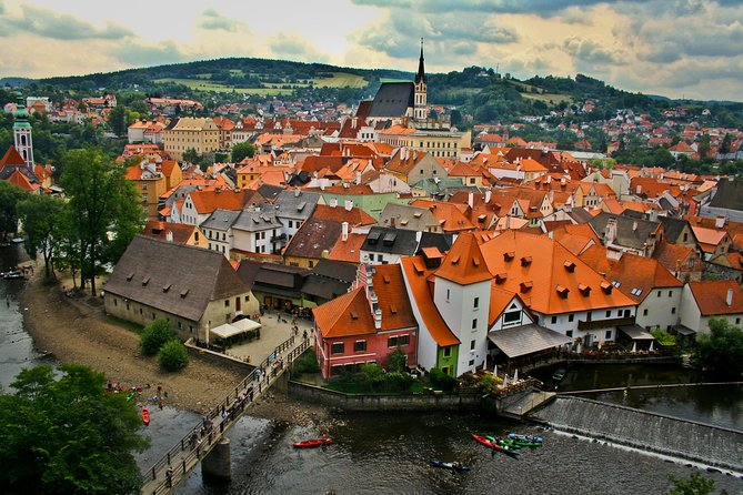 Private transfer from Salzburg to Prague with Stopover in Cesky Krumlov