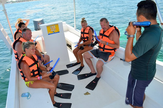 Catamaran Sail and Snorkeling Tour with Open Bar in Puerto Morelos photo 2