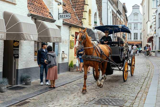 Bruge's Highlights and Christmas Spirit Private Tour