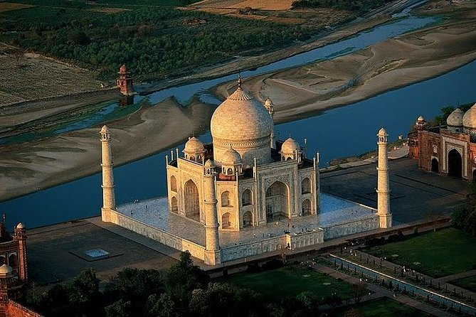 1-Day Trip to The Taj Mahal, Agra Fort and Fatehpur Sikri from Delhi by Train