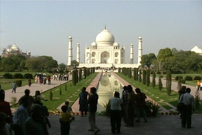 Day Trip to The Taj Mahal and Agra from Delhi Ending in Jaipur by Train