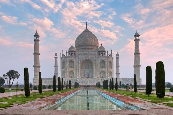 Day Trip to The Taj Mahal and Agra from Pune with Commercial Return Flights