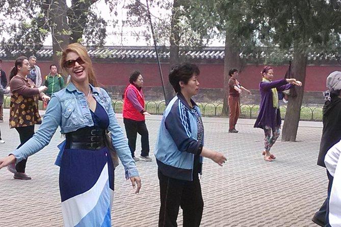 Beijing Walking Tour: Temple of Heaven and Hongqiao Market