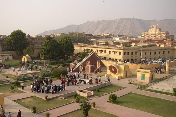 Skip the Line: Guided Tour To Jaipur 8 Attraction with E-Tickets