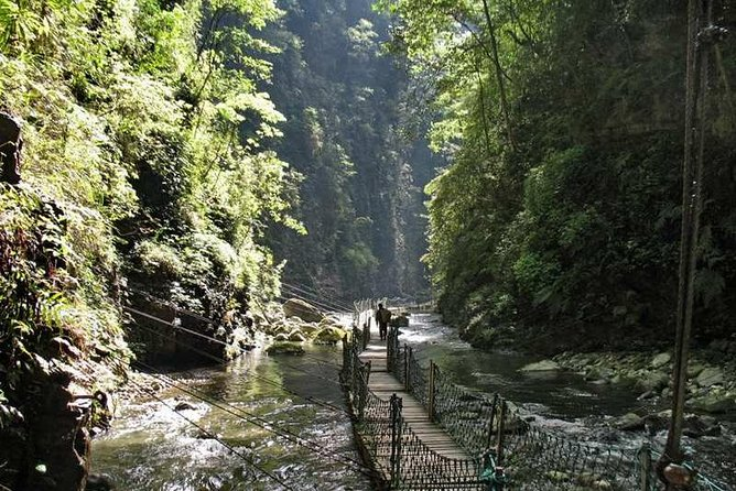 1 Day Private Tour of Most Beautiful Heishan Valley in Chongqing Including Lunch