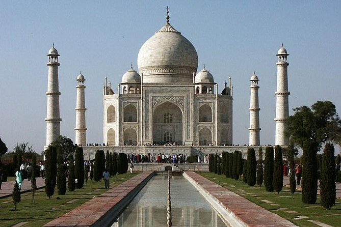 Day Trip to The Taj Mahal and Agra from Chennai with Commercial Return Flights