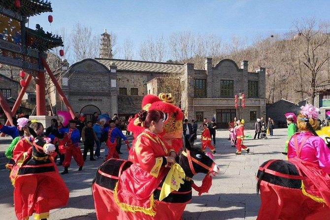 Private Tour to New Year Temple Fair in Gubei Water Town and Simatai Great Wall photo 4