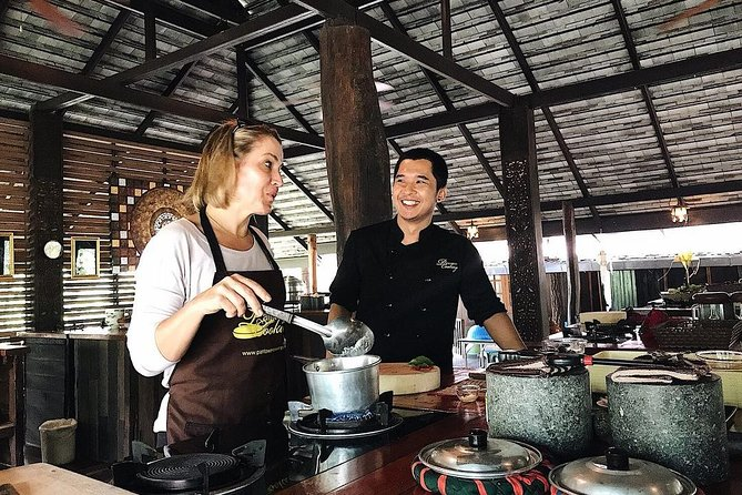 Luxury authentic Thai cooking class (Half day) photo 15