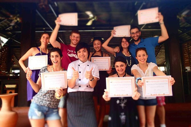 Luxury authentic Thai cooking class (Half day) photo 17