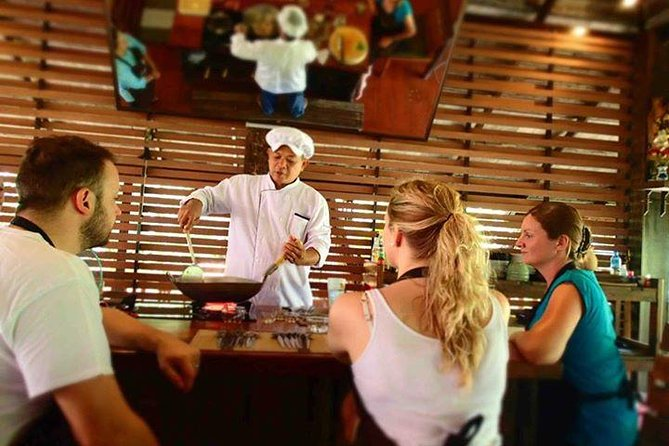 Luxury authentic Thai cooking class (Half day) photo 3