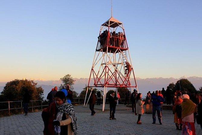 Nagarkot Soluppgång Utsikt och dagsvandring från Katmandu, Nepal