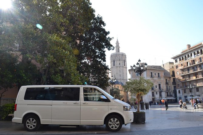 Transfer Valencia Downtown to VLC Airport Minivan to 8 paxs