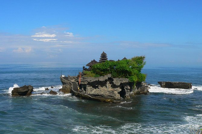Amazing Sightseeing Tours: Ubud and Tanah Lot Sunset Tour