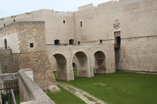 Barletta Private Tour: the town of Challenge