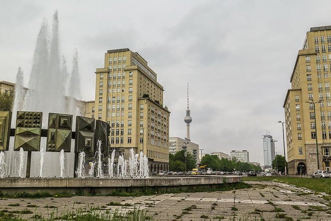 Private Tour Soviet Berlin - Risen from ruins