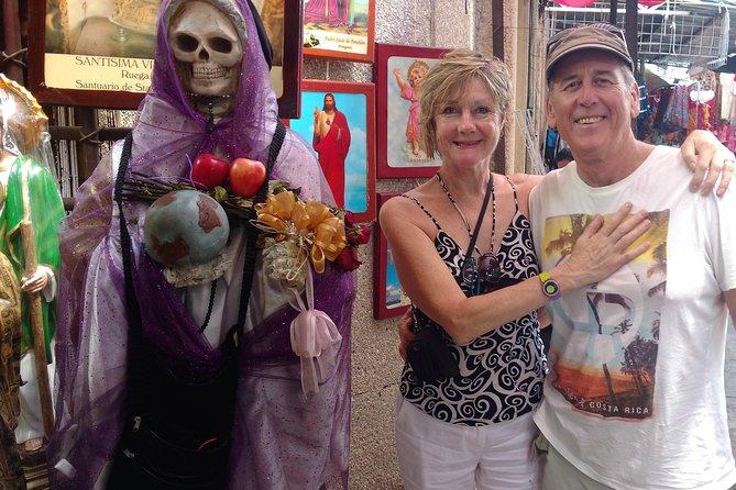Mergulhe no city tour pela cultura local com ALMOÇO. Viva como um local.