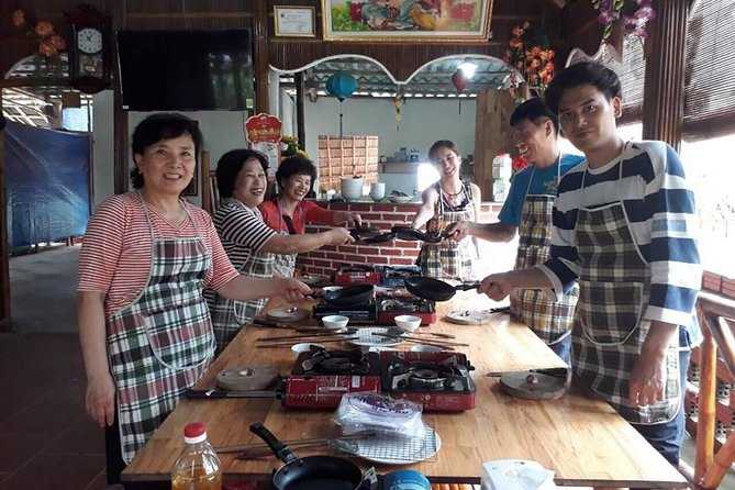 Hoi An Eco Tour & Papa's Cooking Class with Experience by bamboo Basket Boat