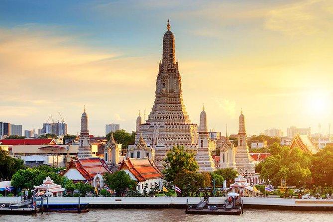 Privat: Wat Arun Sunset Tour med Chao Praya River & Bangkok nat visning af Tuk Tuk