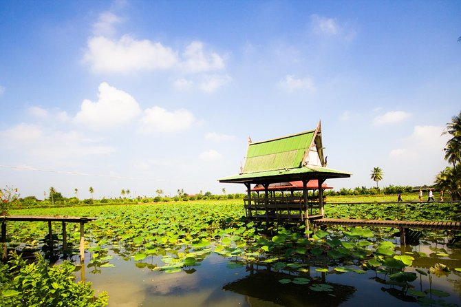 City Escape : Green Canals and Nakhon Pathom by Train photo 9
