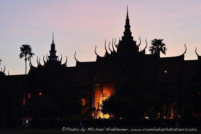 Phnom Penh Night Photo walk with Cambodia Photo Tours