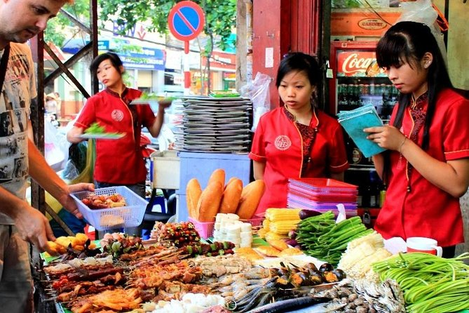 Hoi an: Private 5-Hour Street Food Tour by Motorbike