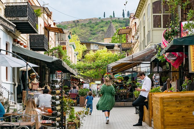 Tbilisi Walking Tour with Cable Cars, Wine Tasting and Traditional Bakery photo 3