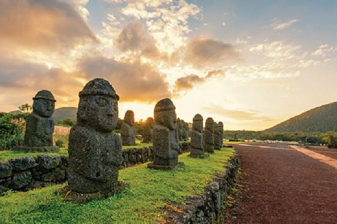 Full-day Customizable Private Essential Jeju Island Tour for South course