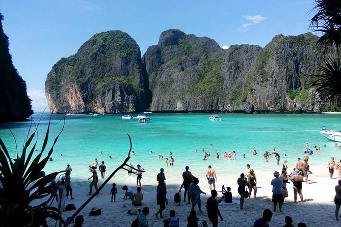 Phi Phi Island Tour by Royal Jet Cruiser from Phuket with Buffet Lunch