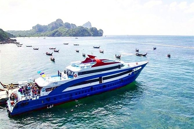 Phi Phi Island Tour by Royal Jet Cruiser from Phuket including Buffet Lunch