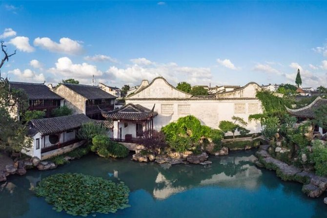 Private Day Tour: From Shanghai to Suzhou&Tongli Water Town by private van