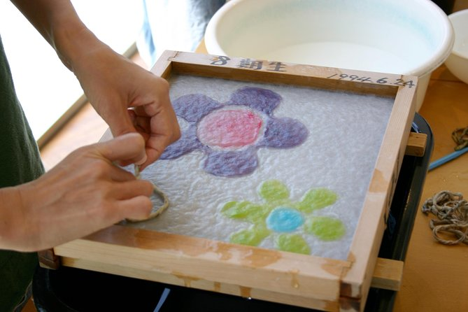 Tokyo Washi Art, Draw a Picture by Japanese Paper at a countryside