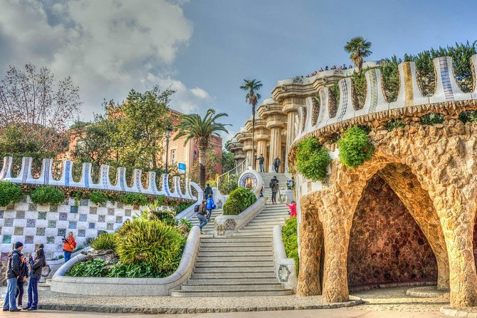 Park Güell: skip-the-lines guided tour photo 1