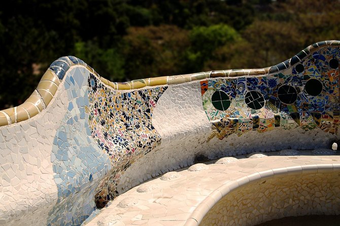 Park Güell: skip-the-lines guided tour photo 2