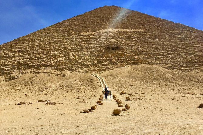 Private tour of Giza Pyramids,Saqqara Pyramid& Dahshour Pyramids (All inclusive)
