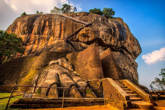 One Day Tour to Sigiriya from Colombo