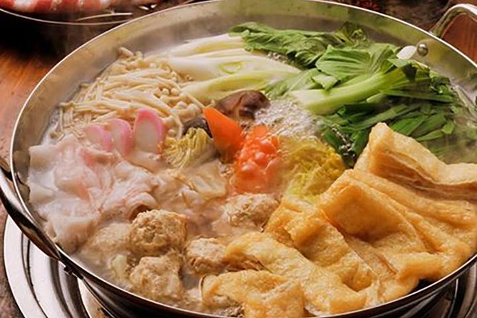 Desafio lutadores de sumô e desfrute de um almoço cozido de chanko