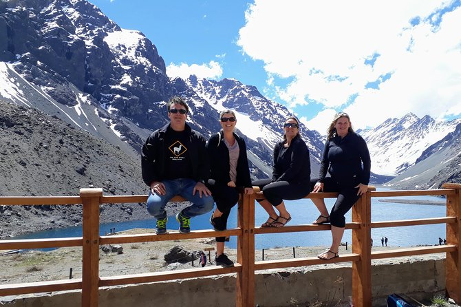 Full day small group tour Archeology, Wine and Portillo ski resort
