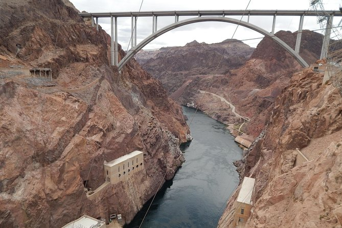 Las Vegas to Hoover Dam with Grand Canyon Helicopter Option